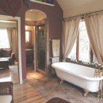 Modern Mountain Victorian Bathtub / sitting area - Twain Harte