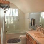 Cedar Ridge Top Country Home Bathroom - Tuolumne County